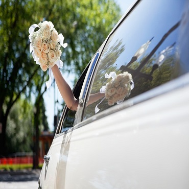 weddings_in_croatia_decoraton_antropoti_luxury_wedding_wedding_ceremony_limousine