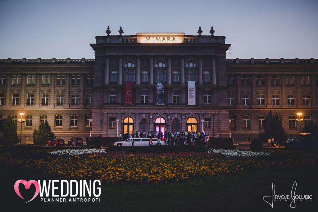 Rozalija & David Luxury English Wedding in Zagreb Museum Mimara