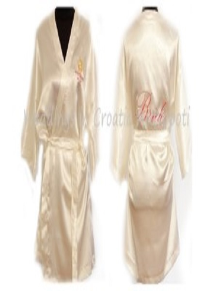 weddings-in-croatia-wedding-silk-bathrobes-duo-bride-antropoti460x600