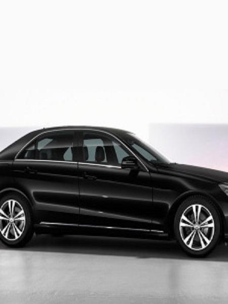 weddings-in-croatia-wedding-transportation-antropoti-rent-a-car-Mercedes-Clas-E-back-Mercedes-Class-E-side1-450x600